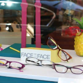 PIERRE MARLY OPTICIEN – THÈME COLOR BLOCK / FLAMINGO ANANAS – PARIS